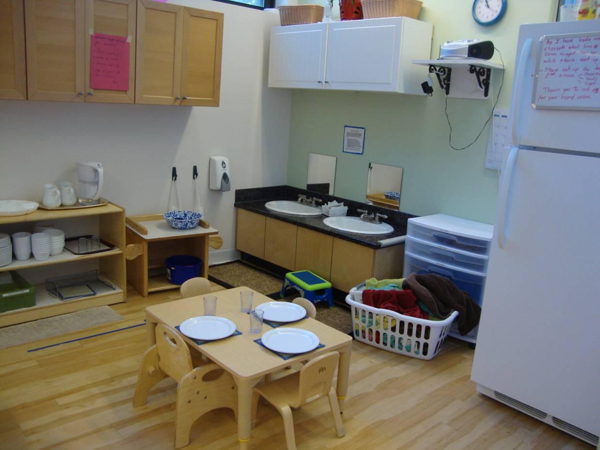 Môi trường giáo dục và dụng cụ cần chuẩn bị theo Phương pháp Montessori